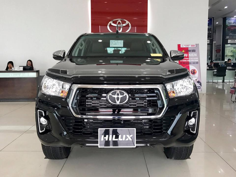 TOYOTA HILUX 2.4E AT