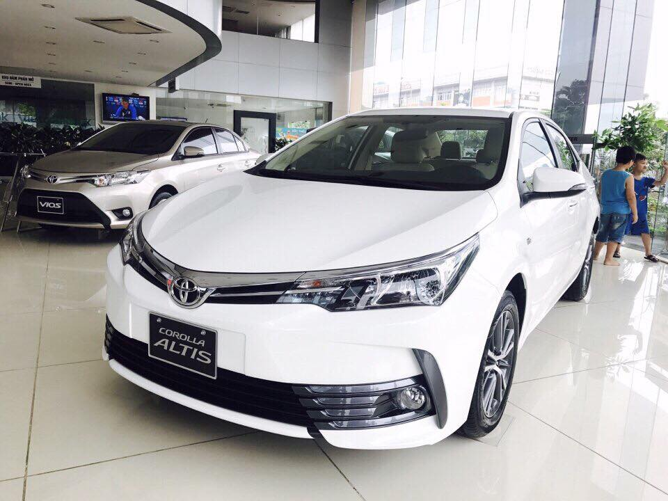 TOYOTA ALTIS 2.0V LUXURY